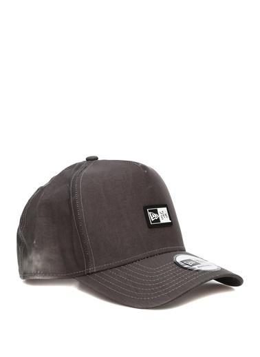 New Era New Era  Eskitmeli Logolu Erkek Şapka 101595038 Siyah